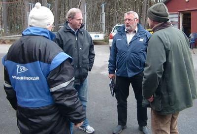 """""""Er alt under kontroll?"""" spør dommer Bernt Myhre til Svenn Erik, Rune og Peter"""