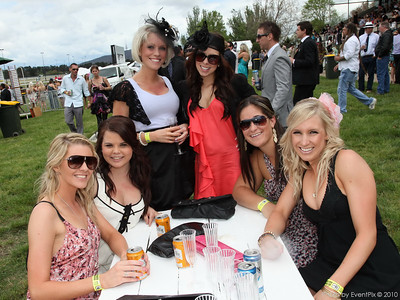 Melbourne Cup Day - Canberra racecourse