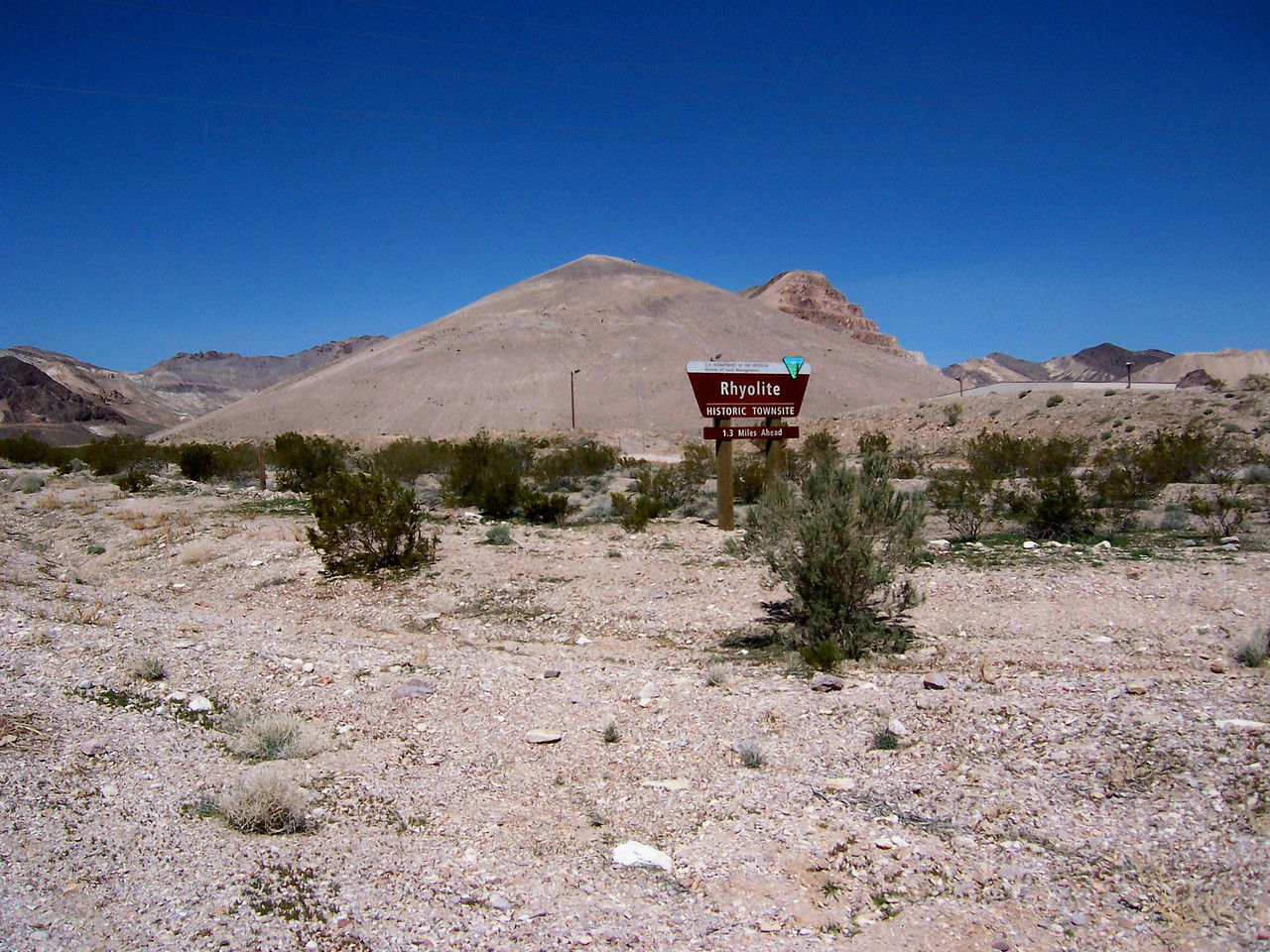 Day 7, Friday the 19th.. Woo hoo, the park opened the Titus Canyon Road.. So Paul, Sylvia and I head that way.. But first a stop at  the ghost town of Rhyolite, which is out that way..
