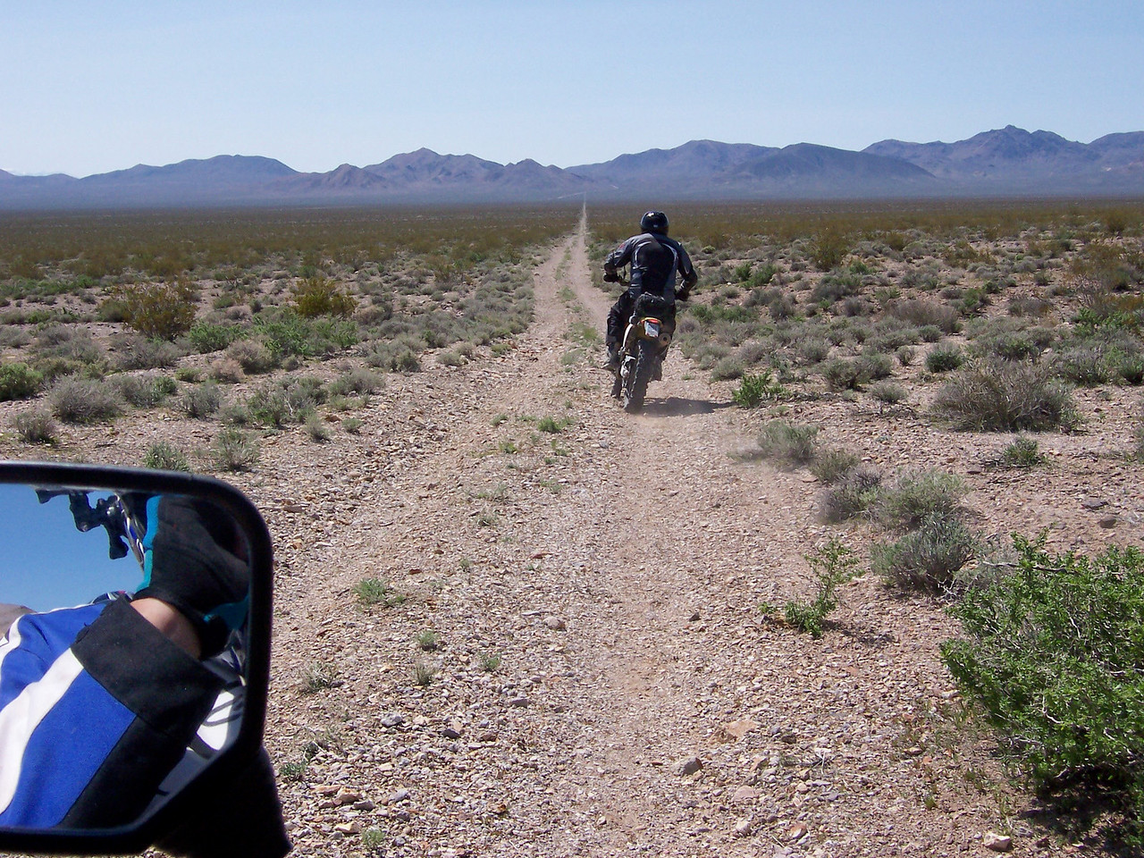 Short cut to the Titus Canyon Road..