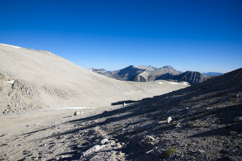 The view north above Mono Pass