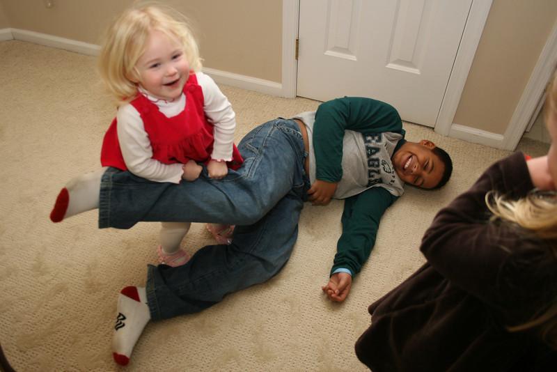 Ashleigh roughs up Romi