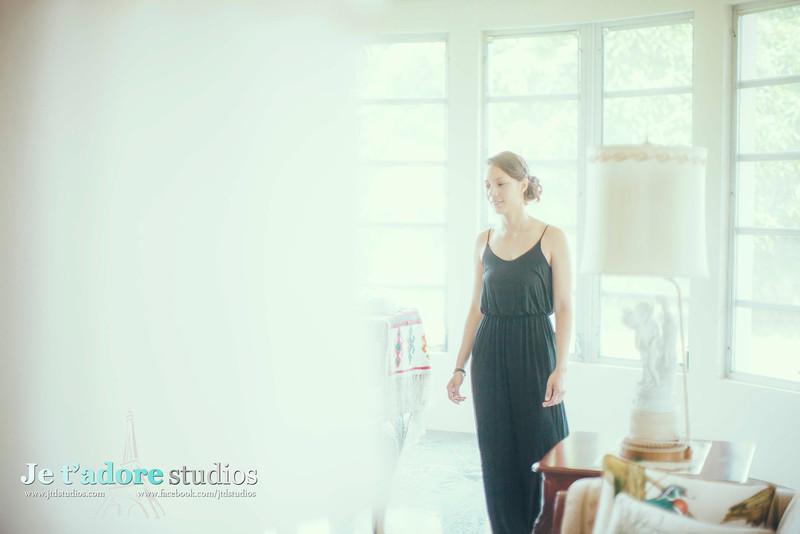 Je t'adore Studios Inc.