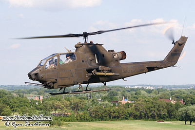 Huey/Cobra Photo Flight - Dayton Airshow 2010