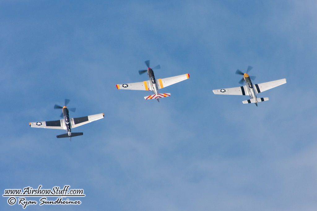 Horsemen Flight Team - P-51 Mustangs