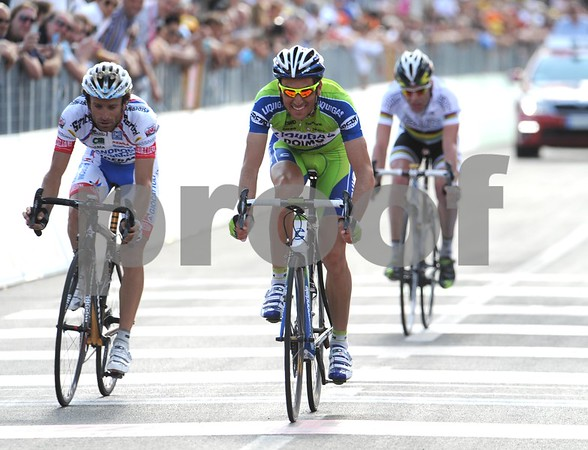Basso beats Scarponi and Evans for 2nd-place, 23-seconds later...