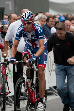 Hincapie didn't make it far, he needs a bike change to continue.