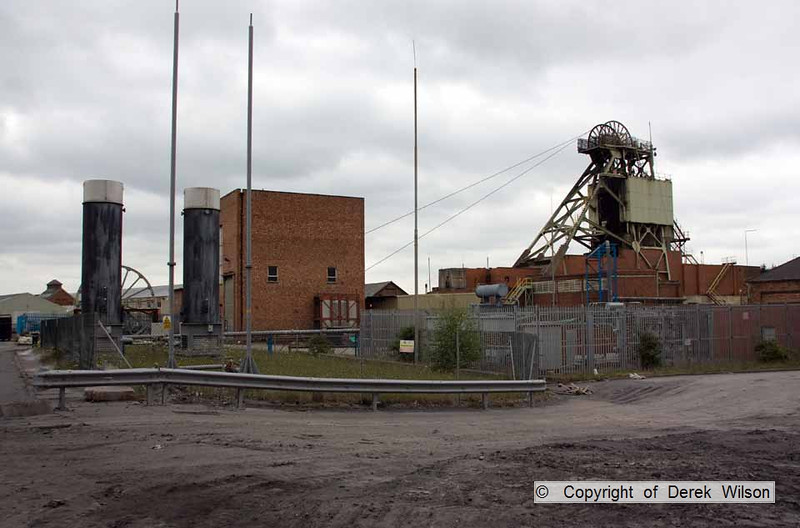 100525-058     Welbeck colliery, methane extraction system.