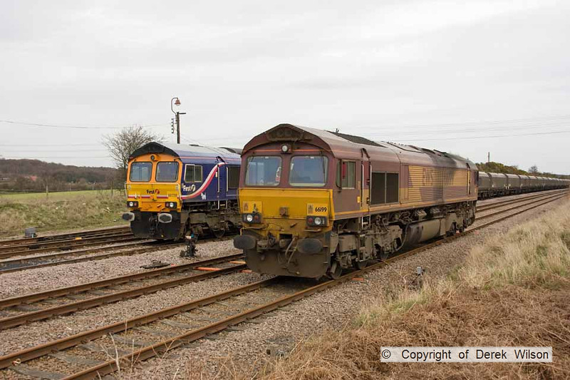 100406-017     Rivals, GBRf class 66 no 66728 Institution of Railway Operators has now re-joined it's train & is waiting to proceed along the branch to Thoresby colliery. Meanwhile 66199 is still waiting on the end of the High Marnham Test Track.