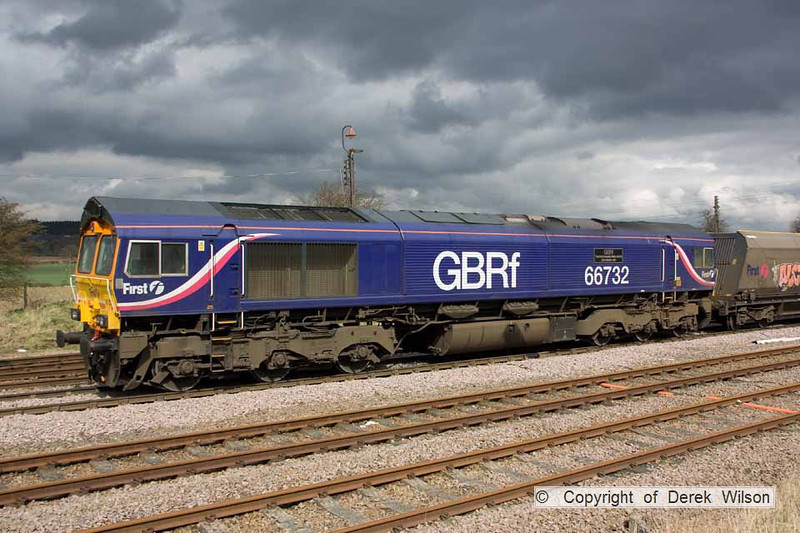100402-019     GBRf class 66 no 66732 poses in a bit of nice light.