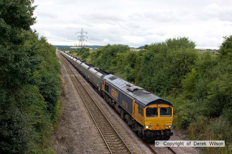 100728-010     GBRf class 66/7 no 66716 is seen nearing it's destination with 6B54 Thoresby colliery-West Burton power station, loaded coal hoppers.