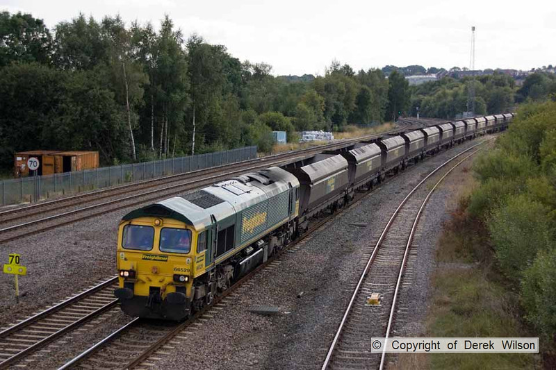 100903-030     Freightliner class 66/5 no. 66529 is seen at Clay Cross with train 4E72 Rugeley power station - York up reception, empty coal hoppers.