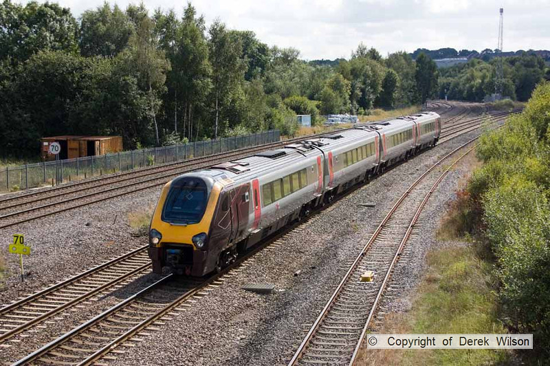 100903-021     Cross Country Trains voyager unit, class 220 no. 220024 speeds past Clay Cross with the 11.41 Newcastle - Reading.