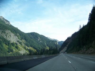 roadside view along I-90, Washington