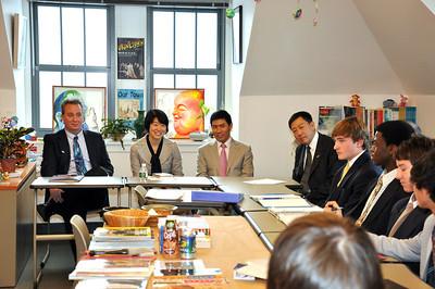 China's New Sino-Western Education School visit