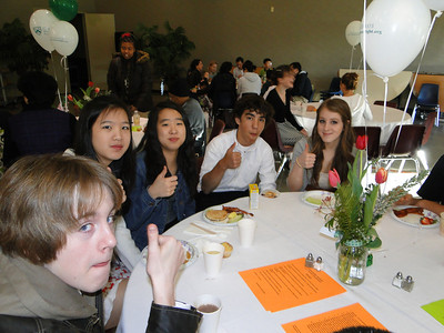 Students give breakfast a thumbs-up
