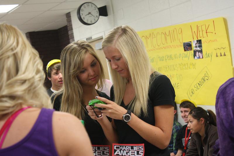 Senior Kayla and Maddie