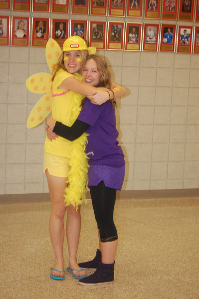 senior and soph color day