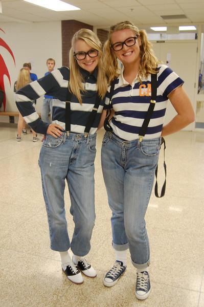 J-Avery Sass & Ellie Ehmen twin day