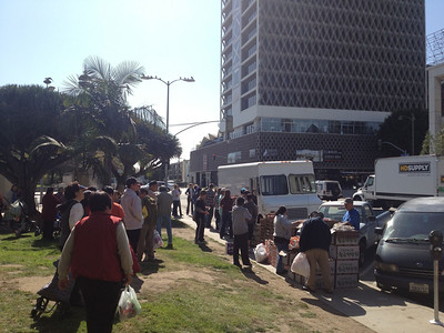 Food truck stop at MacARthur park.