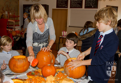 MS - 6th Grade Pumpkin Carving