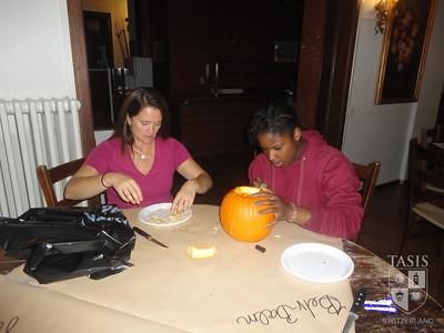 HS Pumpkin Carving