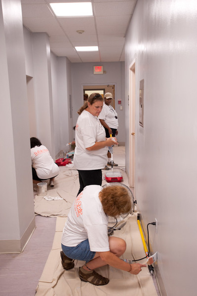 Buffalo State College faculty and staff volunteers participating in the 2011 United Way Day of Caring.