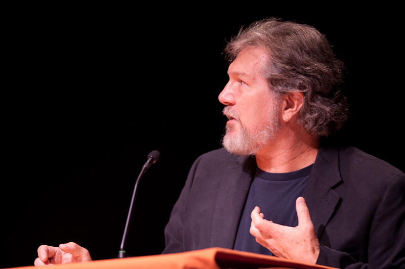 Artist Gary Wolfe addressing the 2011 Anne Frank Project.