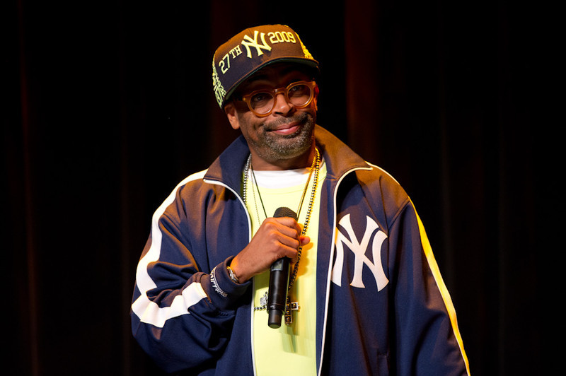 Movie director Spike Lee speaking at Rockwell Hall.