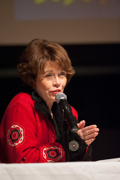 Caberet artist Kathleen Landis lecturing and performing at Buffalo State College.