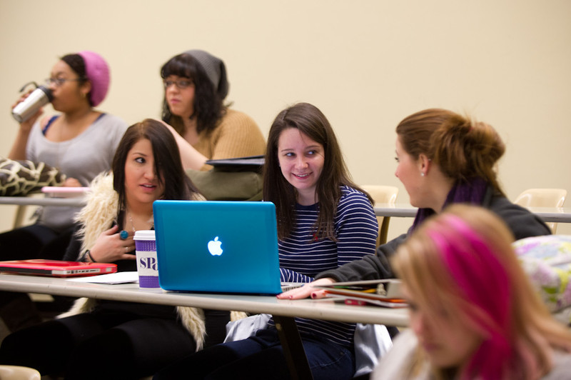 Students in Fashiion Technology course taught by Professor Erin Habes.