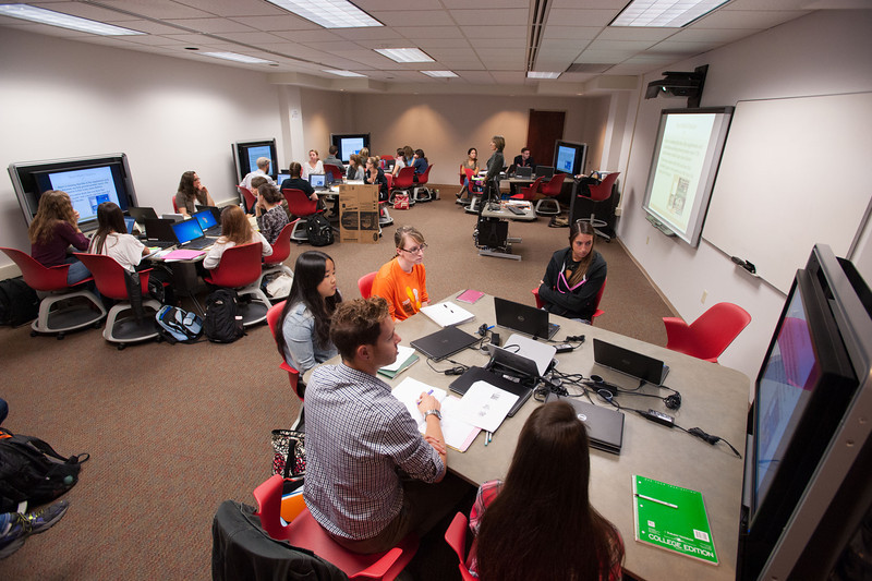 Buffalo State Dietetics and Nutrition class meeting in 316 Butler Library.