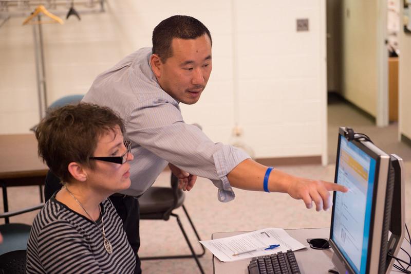 Instructional Designer Mike DiFonzo teaching Blackboard class at SUNY Buffalo State.