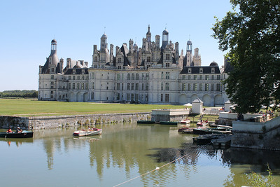 visit to Chambord, the biggest Chateau in the area)