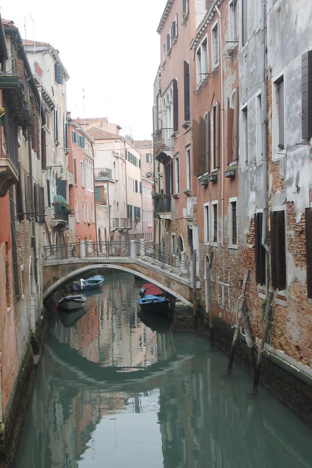 Stroll through the Dorsoduro sestiere