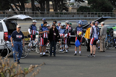 20111002-035 Calif. (Oct. 2, 2011) -- Two hundred participants make the 61-mile ride from San Francisco to Santa Cruz, Calif. during the 2011Ride2Recovery  Golden State Challenge. Photo by Tiffini Jones Vanderwyst.