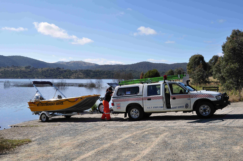6 hour multisport rogaine at Googong Dam (I did admin with David B), NSW, 3/4/11<br /> Local SES crew helping out with water patrols