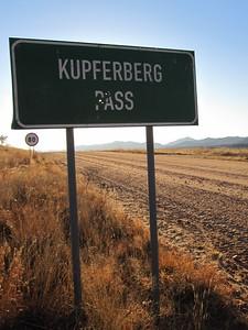 The Kupferberg Pass southwest of Windhoek.