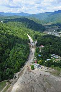 Route 4 : Route 100 South of Killington completely destroyed3