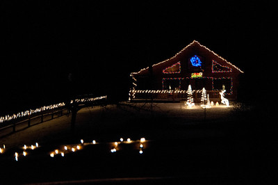 Holiday Lights Around Southern VT December 24, 2011 Copyright ©2011 Nancy Nutile-McMenemy www.photosbynanci.com For The Vermont Standard: http://www.thevermontstandard.com/ Image Galleries: http://thevermontstandard.smugmug.com/