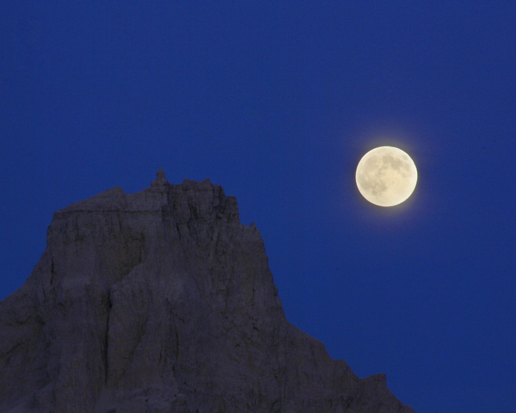"Badlands National Park: Wali, 16 - ""Rising Moon"""