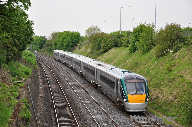 22034 descends into the Gullet between Inchicore and Islandbridge Jct with the 0720 Tralee - Heuston.  Fri 22.04.11