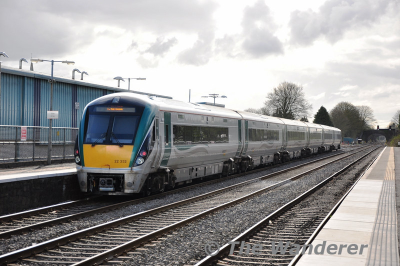 22032 passes Kildare with the 1630 Heuston - Galway. Sat 02.04.11