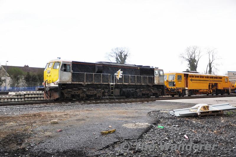 075 in Kildare Per-Way yard with Tamper 742.  Sat 02.04.11