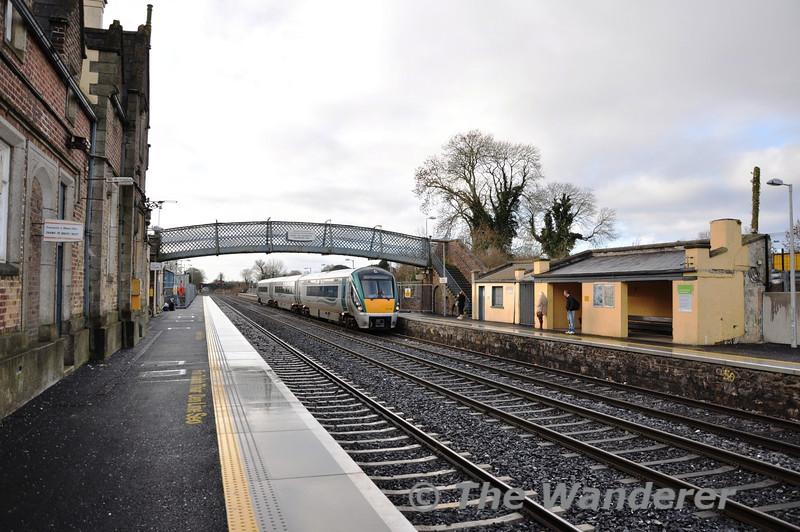 22019 1315 Kildare - Heuston at Kildare. Sun 18.12.11