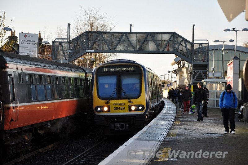 After the up and down Sligo Intercity services had passed Maynooth, 29029 arrives back from the Carriage Siding to form a slightly delayed 1140 Maynooth - Pearse. Sat 17.12.11