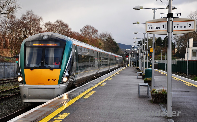 22035 arrives into Platform 1 at Killarney  with the 1345 Tralee - Heuston. Sun 11.12.11