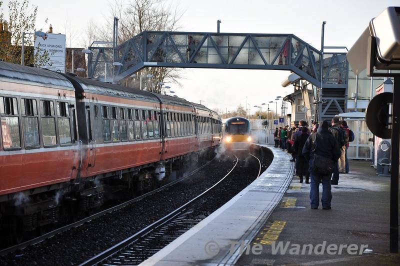 22041 arrives at Maynooth with the 0900 Sligo - Connolly. Sat 17.12.11