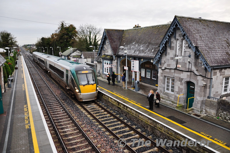 On Saturday 10th December the 0505 Cork - Heuston service failed at Mallow due to a loco fault. The MKIV set was returned to Cork and following a loco change re-entered service on the 1230 Cork - Heuston service. One of the knock on effects of this failure was the 0900 Heuston - Cork which was 3ICR, set 22030 instead of the booked MKIV set. The unit is seen arriving at Portlaoise on its way south. After arriving in Cork 22030 went empty to Laois Traincare Depot.
