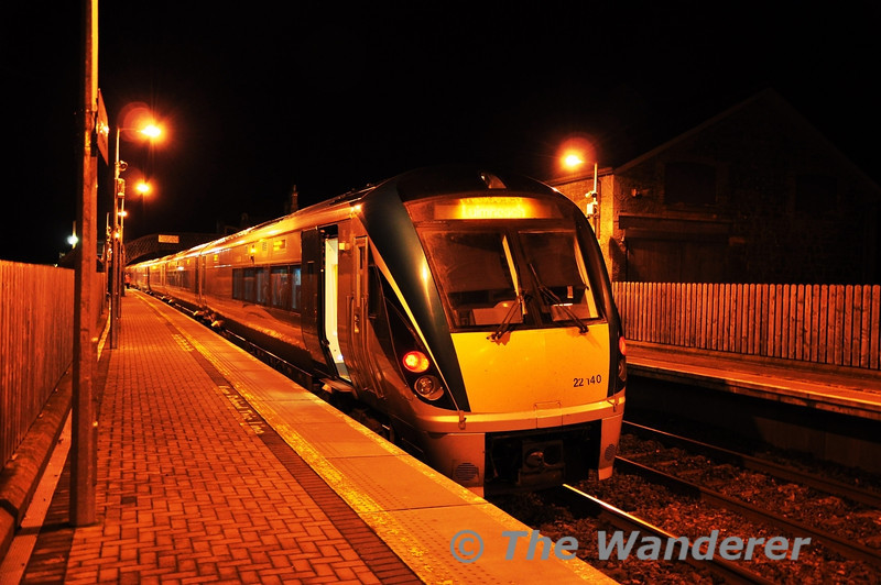 22040 calls at Templemore with the 1625 Heuston - Limerick. Wed 21.12.11